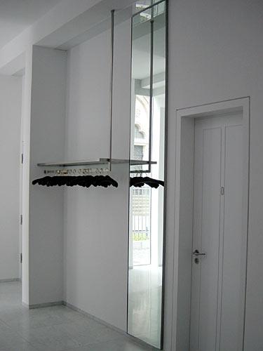 Garderobe und Spiegel, Foto: Stefan Fittkau