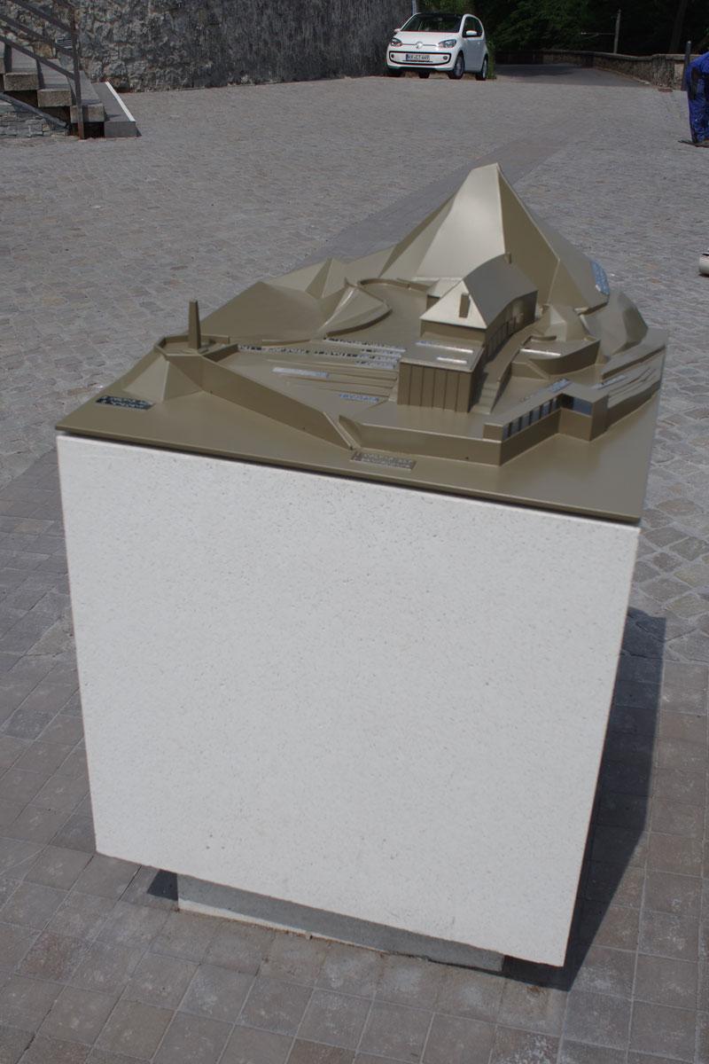 Burgmodell aus Edelstahl, Foto: Plandrei LandschaftsarchitekturGmbH