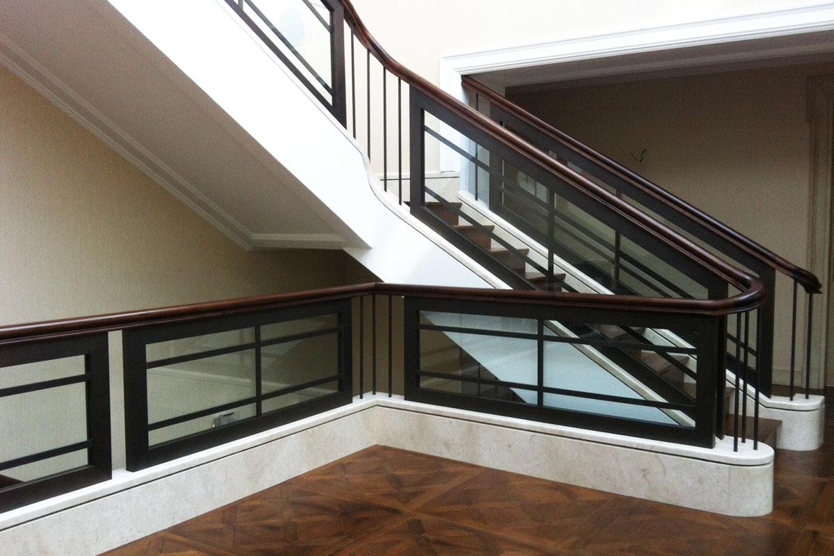 Brüstungs- und Treppengeländer, Foto: Bertram Roy